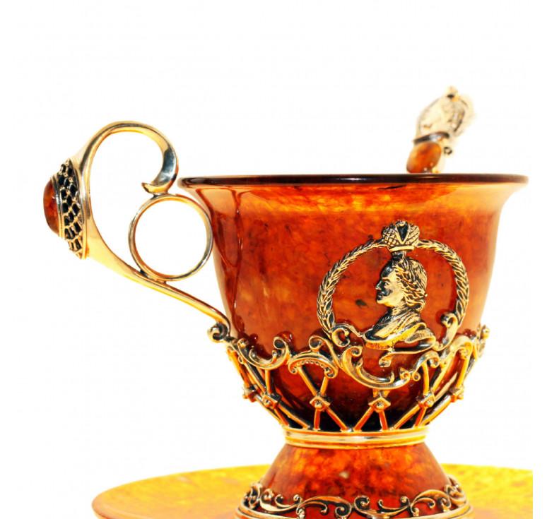 Чашка чайная «Пётр I» из янтаря