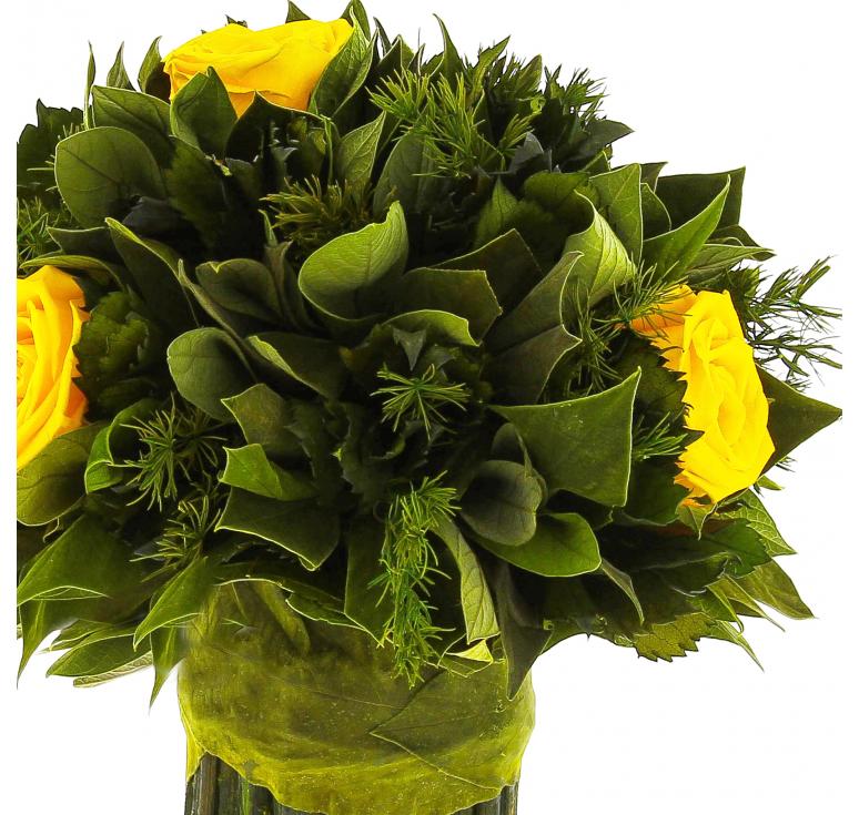 Букет Этуел де Нейдж маленький ярко-желтых роз