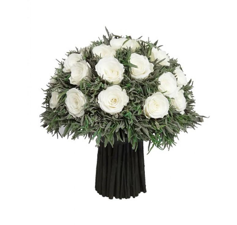 Большой белый букет роз из Кении