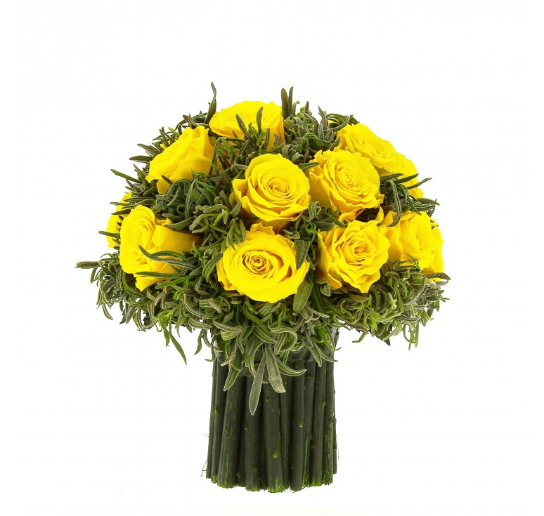 Букет из зелёной лаванды 19 крупных  бутонов роз, 19 см высота, 19 см ширина, цвет желтый.