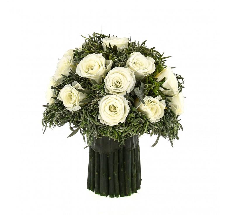 Композиция букет из зелёной лаванды 21 средняя бутона роз, 19 см высота