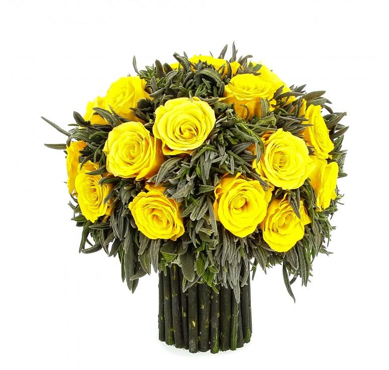 Букет из зелёной лаванды и 21 средних желтых роз, 19 см высота