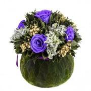 Букет бомбоньер из лиловых роз 19 см и вельветового листа