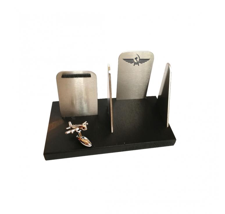 Подарок на день авиации - настольный органайзер с подставкой для смартфона и кубариков для записей