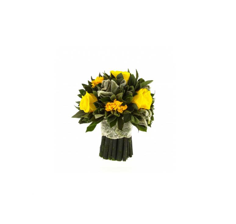 Желтые стабилизированные розы в маленьком букетике