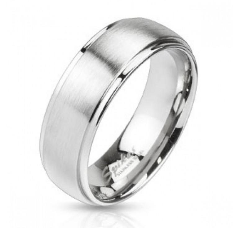 Мужское кольцо из стали цвет платина с шероховатой поверхностью