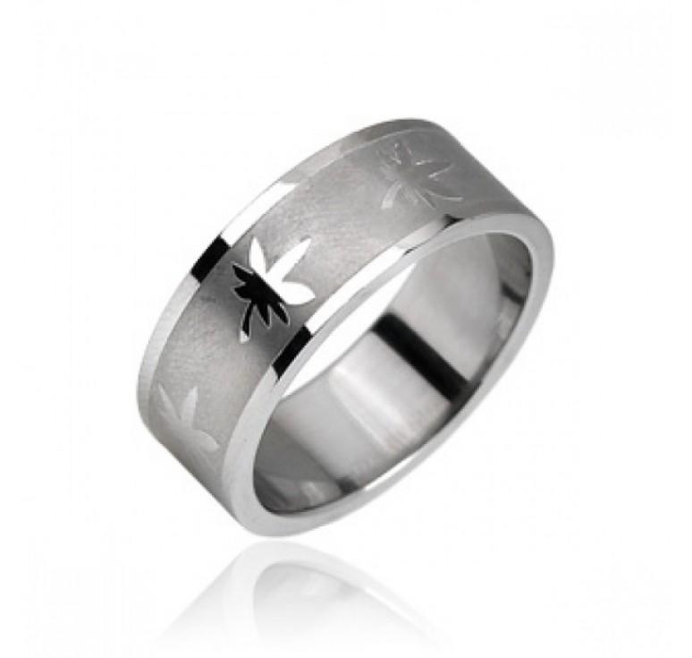 Мужское кольцо из стали цвет платина с узором лист