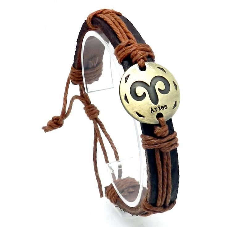 Мужской кожаный плетеный браслет со вставкой со знаком зодиака Овен. Размер регулируется цвет рыжий