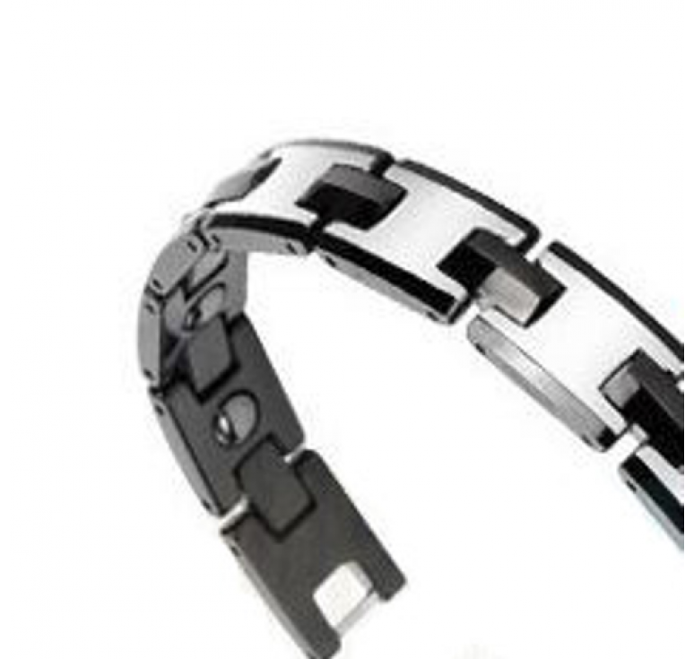 Технологичный мужской браслет из карбида вольфрама