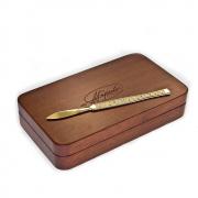 VIP-подарок для хирурга - золотой скальпель с бриллиантами
