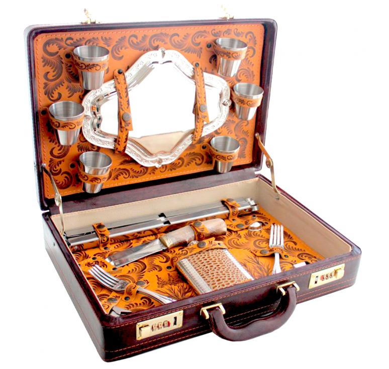 Подарочный набор предметов в кейсе, кожа, металл, дерево, роспись, ручная работа