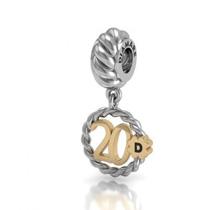 Подвеска -шарм серебряный в подарок девушке на 20 лет