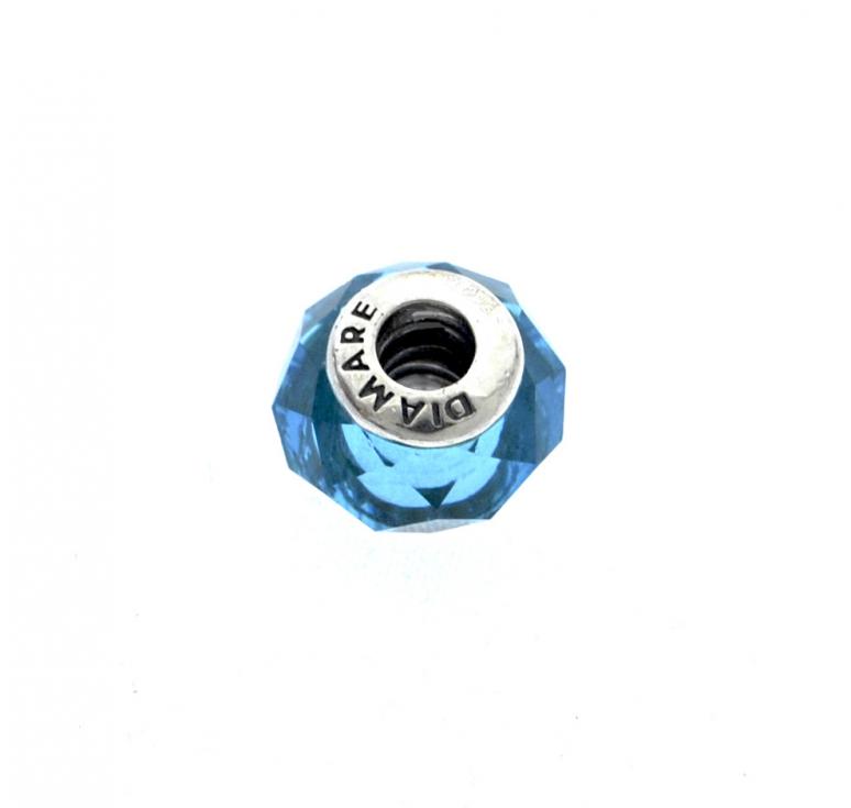 Шарм из серебра 925 пробы в виде голубого кристалла