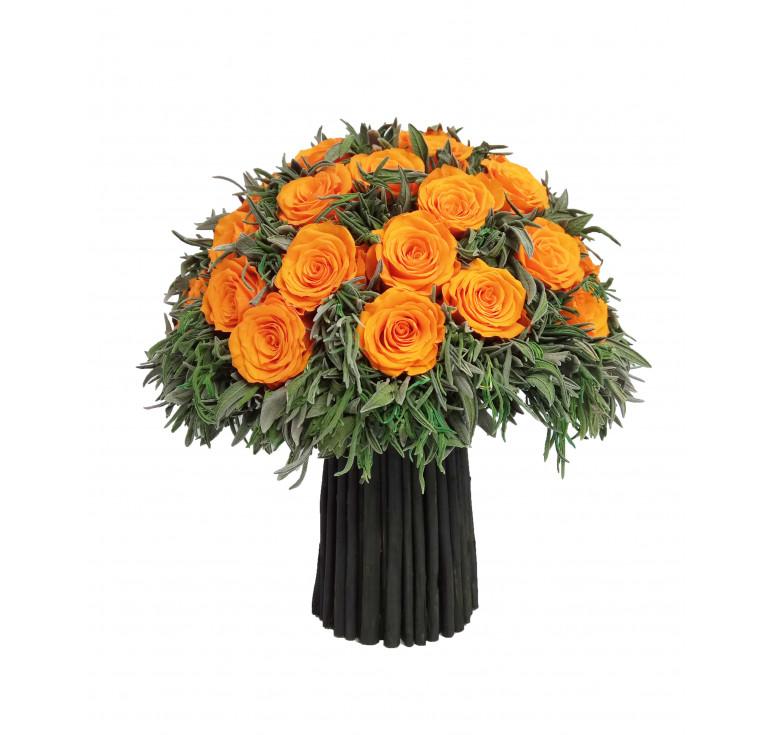 Ярко-оранжевый букет стабилизированных роз