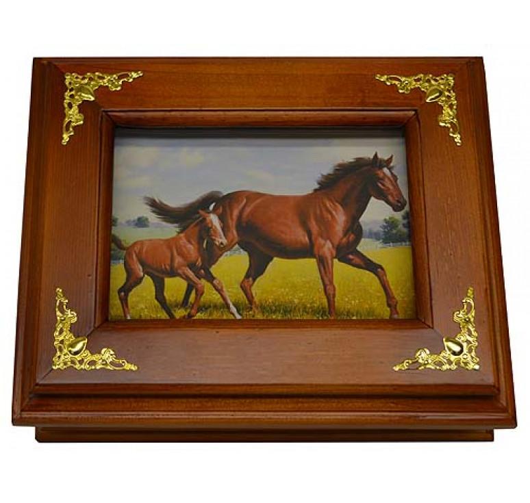 Деревянная ключница «Лошади» малая