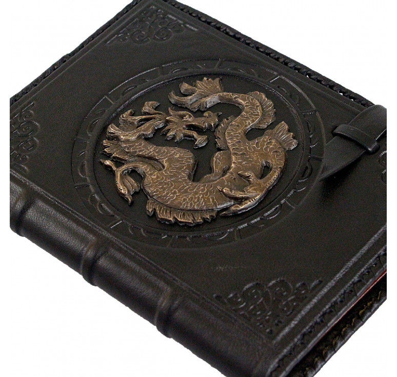 Ежедневник А5 «Дракон» чёрный
