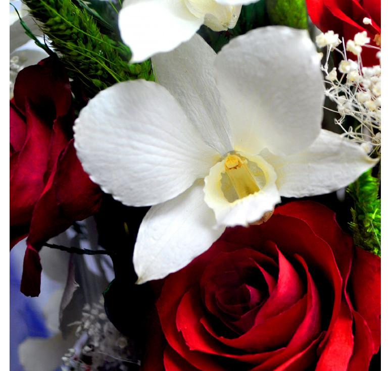 чиновники орхидеи и красные розы букет фото новым человеком имени