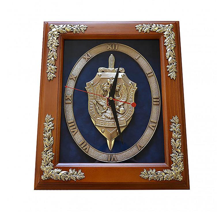 Настенные часы «Эмблема Федеральной Службы Безопасности РФ» в деревянной раме