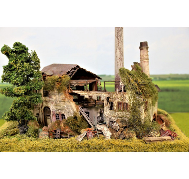 Разрушенная фабрика