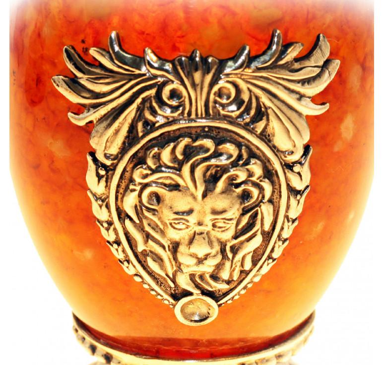 Стакан «Лев» из янтаря